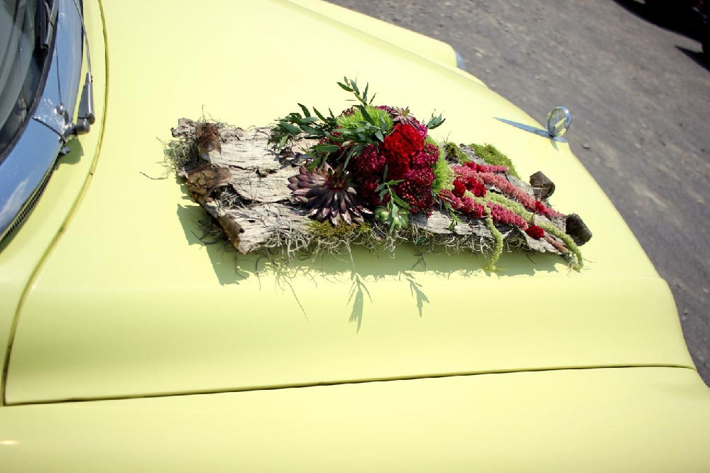 Wedding car decoration by Leweke Design